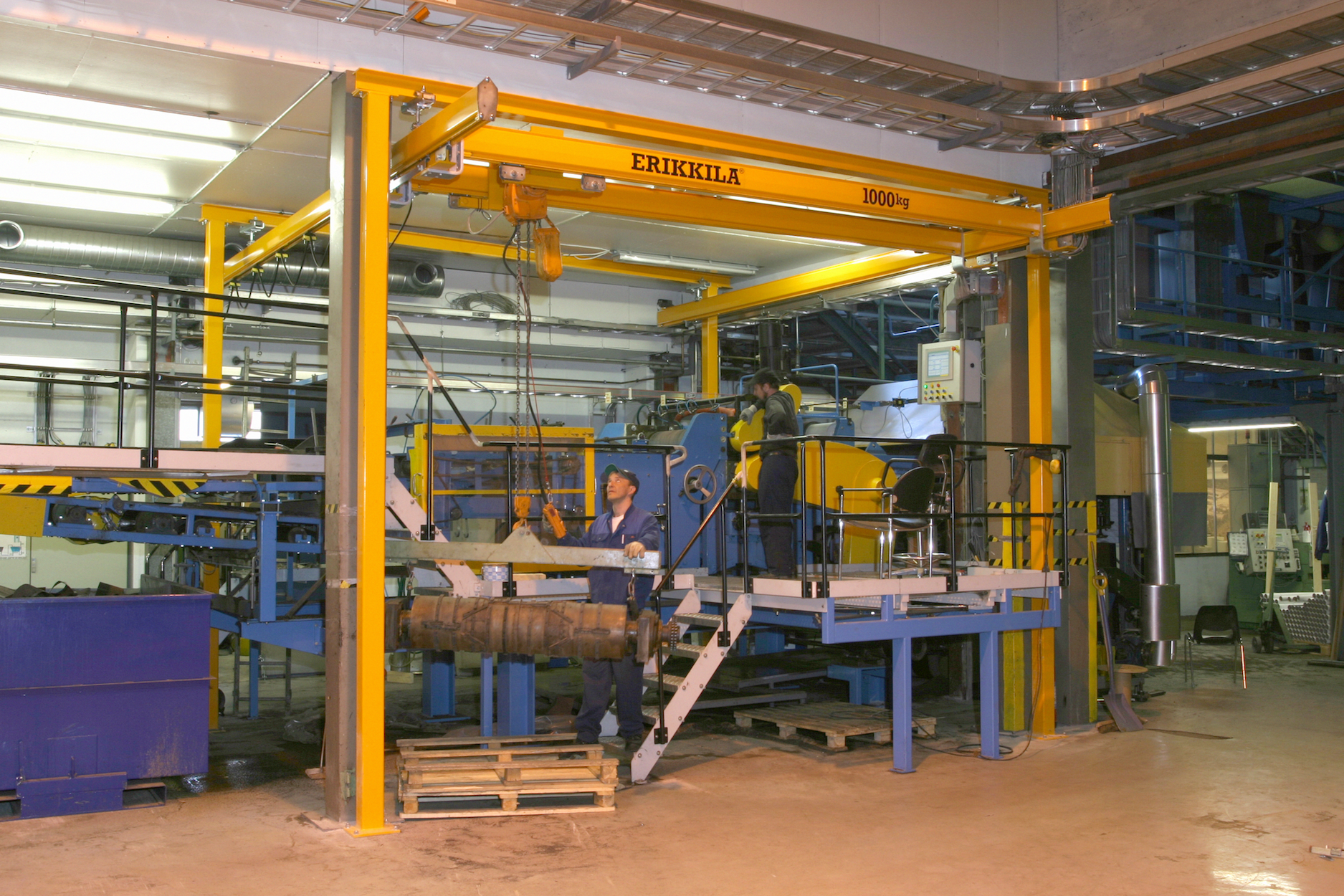 2 girder crane raised freestanding 1